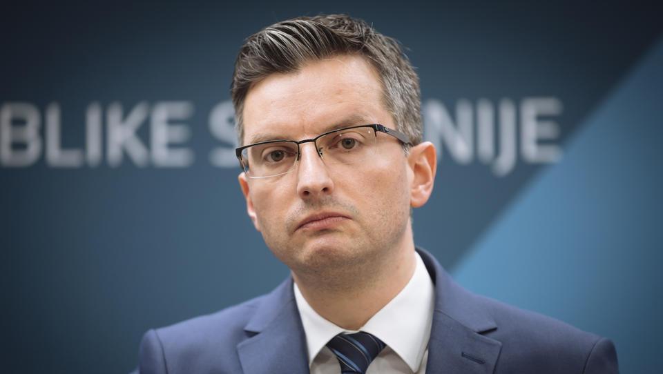 Premier Šarec: Na Messengerju so mi ukradli identiteto
