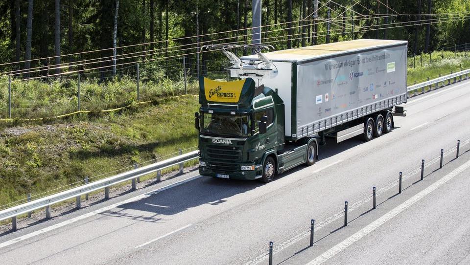 Na Švedskem smo testirali vozilo prihodnosti s pridihom 120 let stare tehnologije