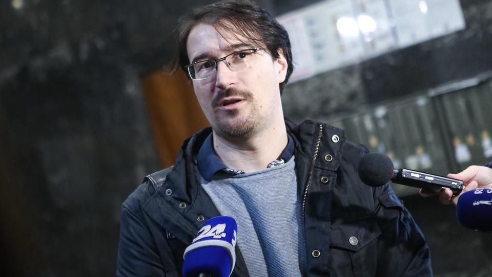 Zdravniški sindikalist Muževič zahteva, da mu ZZZS omogoči vpogled v podatke