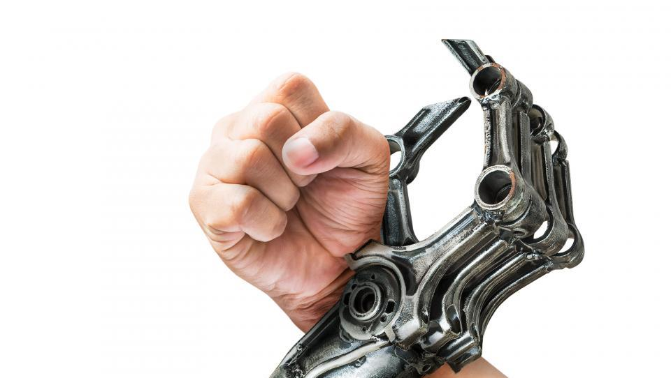 Življenje z roboti: največ služb bodo vzeli belim ovratnikom