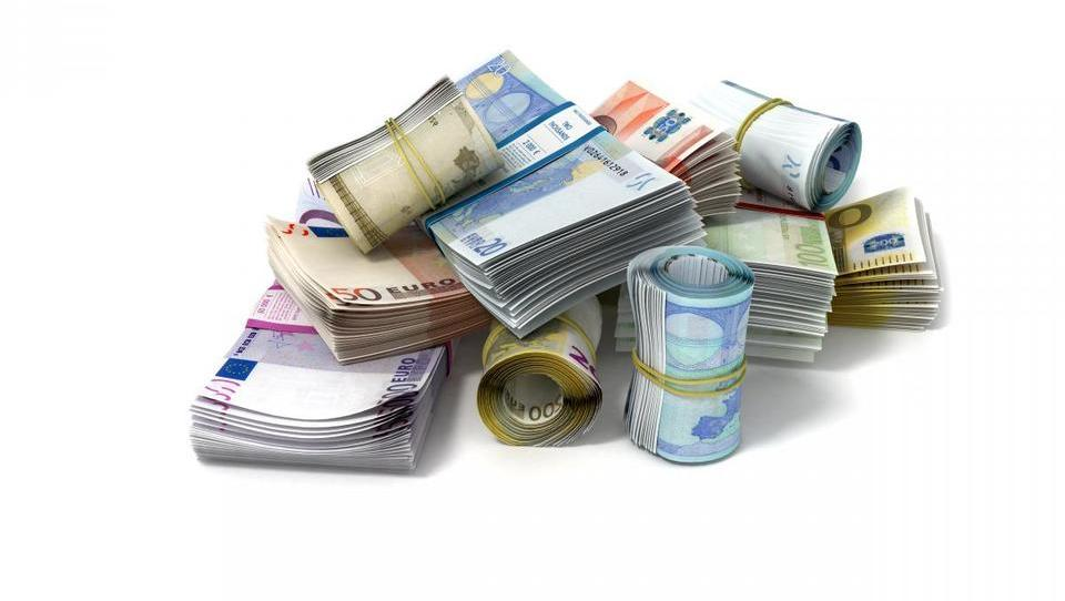 TOP IKT: Informatiki v žep pospravijo skoraj pol več kot povprečni Slovenec
