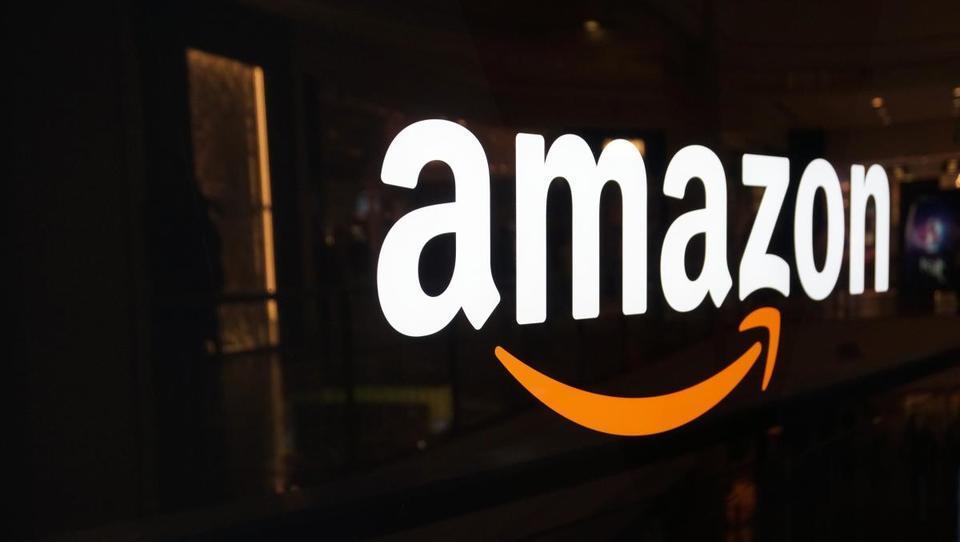 Luksemburg mora od Amazona izterjati 250 milijonov evrov, Irska zaradi Appla na Sodišče EU