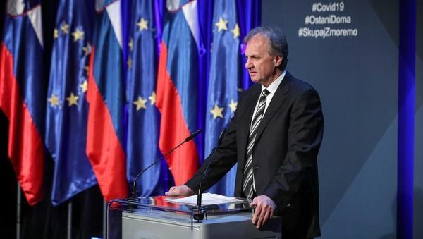 Ivan Simič predlaga: Če boste imeli delnice 15 let, ne bo davka; dvig splošne davčne olajšave za 500 evrov