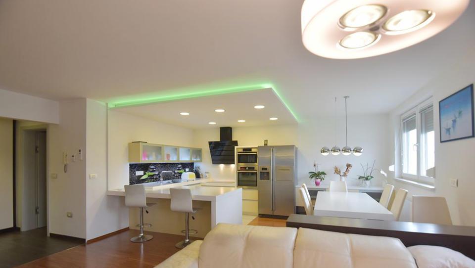 (Nepremičnina tedna) Vrhunsko opremljeno stanovanje v Slovenj Gradcu