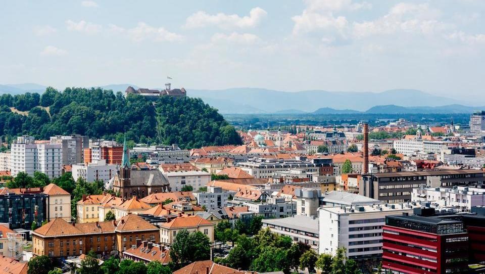 Razkrivamo, kako so se na dražbah prodajala stanovanja v Ljubljani (I. del)