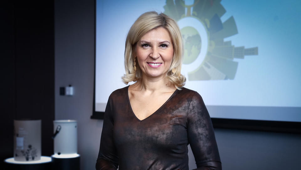 Tanja Skaza se bo umaknila iz vodenja Plastike Skaza, z Izo Login bo podjetjem pomagala graditi novodobne organizacije