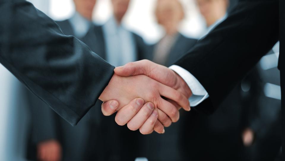 Top službe - Evropska komisija, Danfoss Trata, Goldman Sachs in še 18 podjetij išče okrepitve