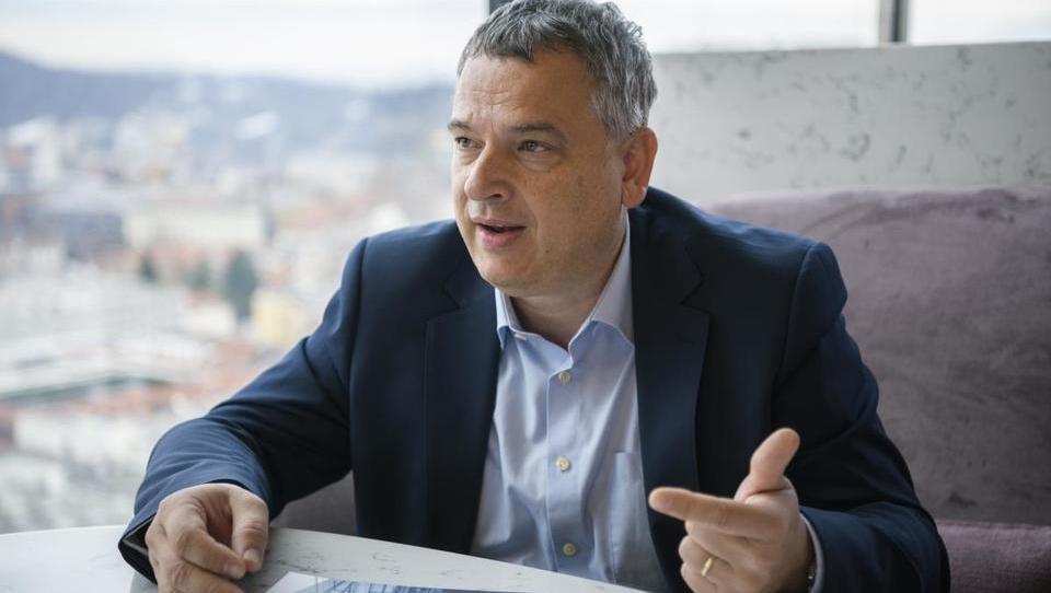 (Intervju) Drugo cev karavanškega predora in drugi tir lahko zgradi konzorcij slovenskih podjetij