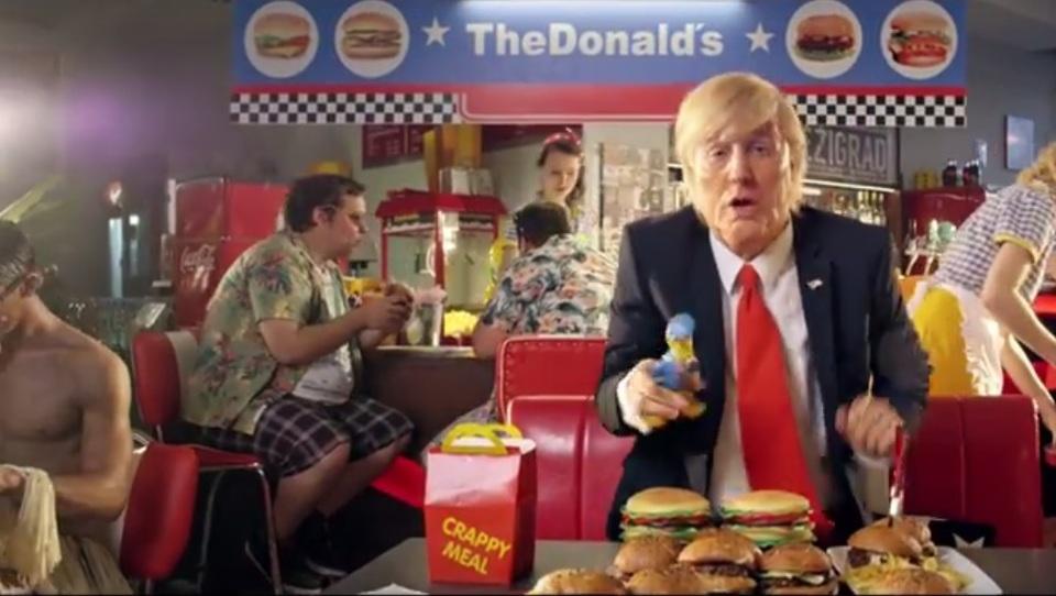 Slakonja tokrat naskočil Trumpa. Mu bo prinesel več kot Putin?