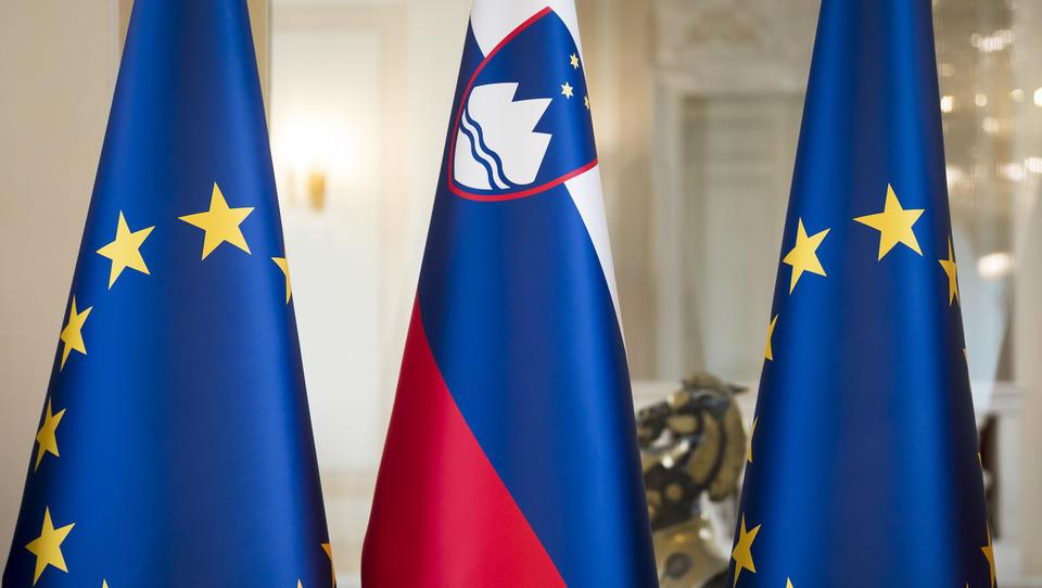 Država bo zaposlila 350 novih sodelavcev za potrebe predsedovanja EU