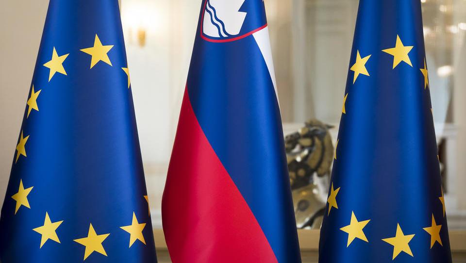 Bruselj znižal gospodarsko napoved za Slovenijo