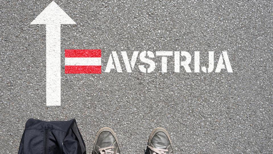 Lani se je v tujino odselilo 9.871 Slovencev, priselilo pa 3.288