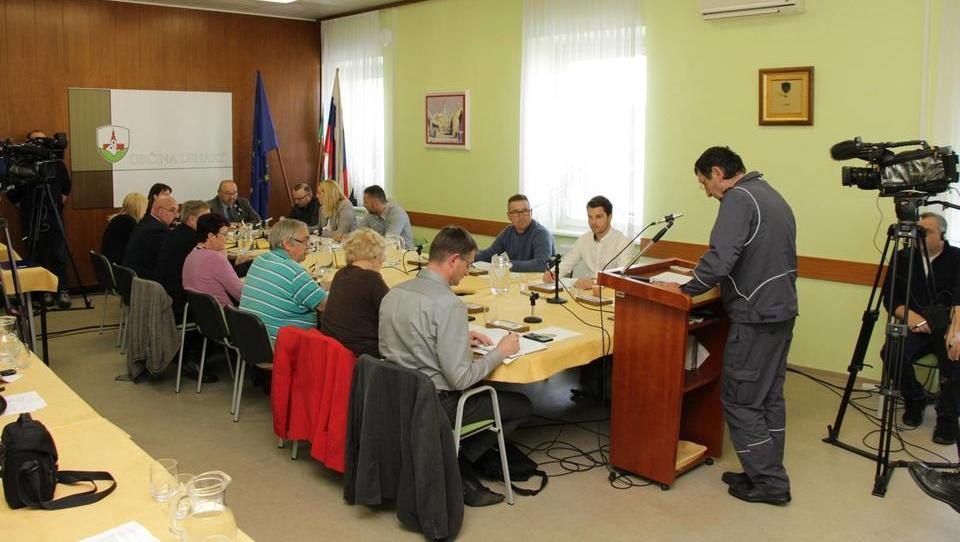 Občina Lenart zahteva ustavitev delovanja družbe Salomon v Lenartu