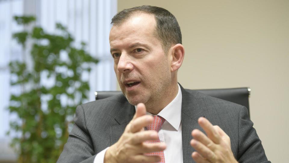 Atlantic investira pet milijonov evrov v širitev proizvodnje argete v Izoli in išče nove kadre