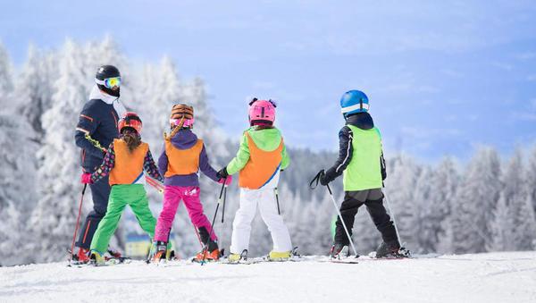 Kam in za koliko lahko pošljete otroka smučat med zimskimi počitnicami