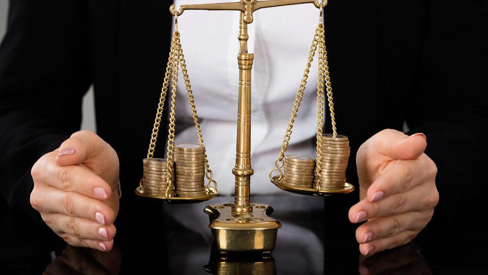 Spletišči sodišča – projekta za 350 tisoč evrov – bo treba še prilagoditi slepim in slabovidnim