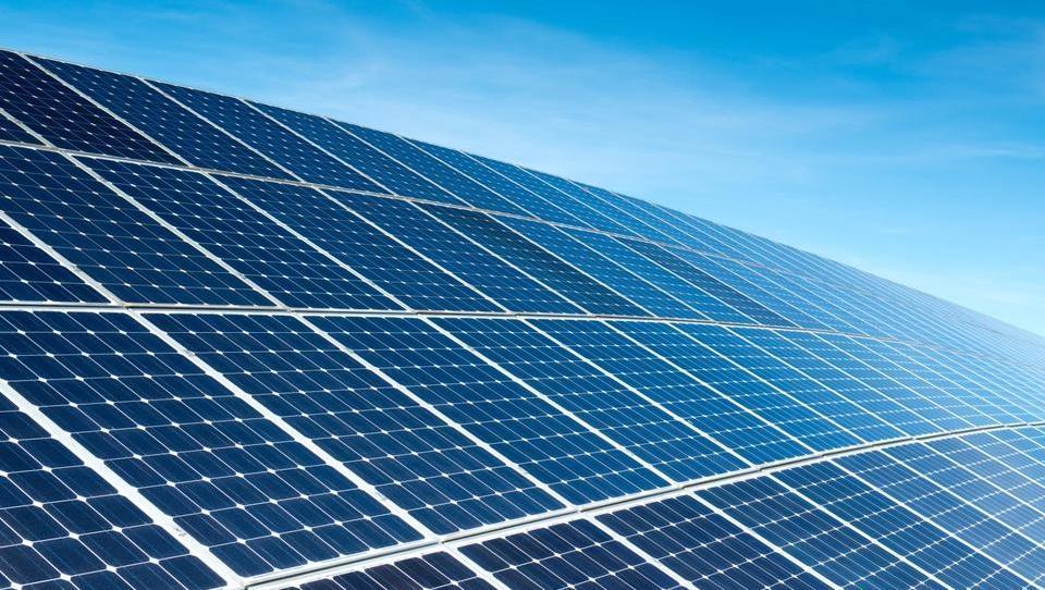 EU odpravlja protidumpinške ukrepe za kitajske fotovoltaike