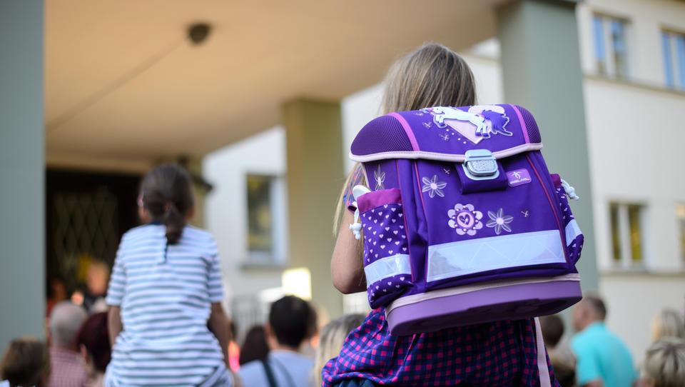Koledar: šola se je začela, kdaj pa bodo (prve) počitnice?