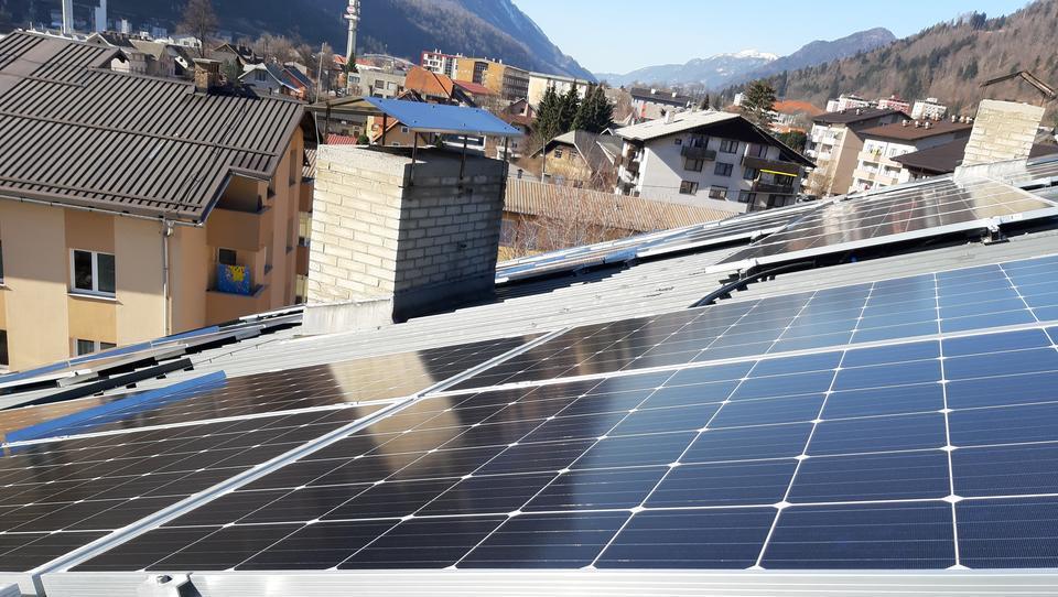 Okoljevarstveniki: vlada naj s kampanjo spodbuja postavitev fotovoltaik