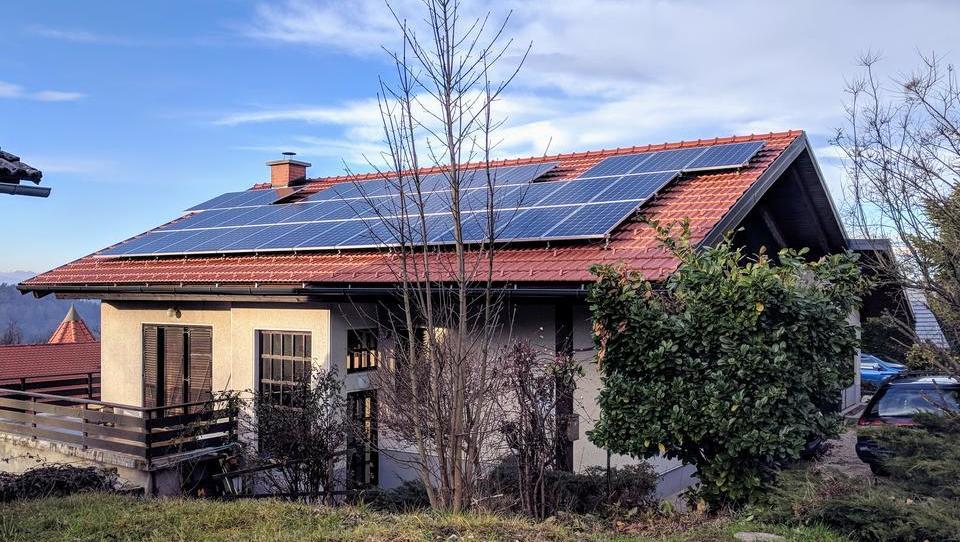 Je nova uredba za fotovoltaike v navzkrižju z regulatorji?