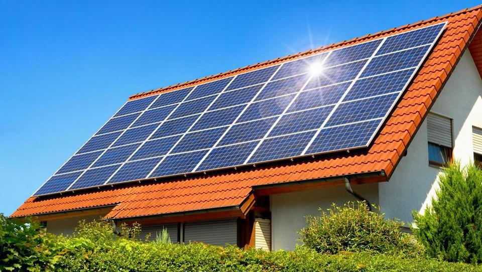 Fotovoltaike je mogoče zavarovati samostojno
