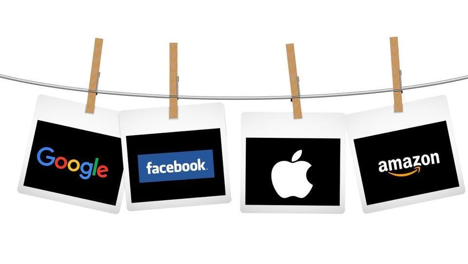 Apple in Google bi v EU obdavčili po prihodkih, ne po dobičku