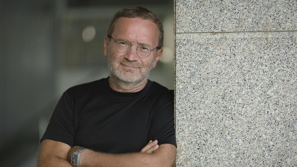 (intervju) Davorin Špoljarič, oblikovalec, ki se po skoraj 40 letih na Finskem vrača v Slovenijo