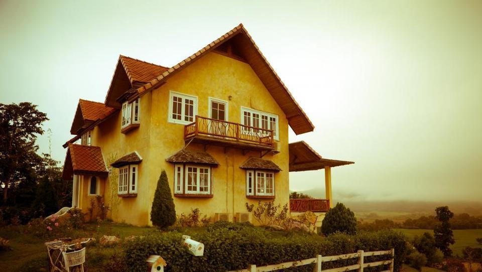 (45 plus) Kaj naj storim s hišo, zgrajeno v 70. in 80. letih