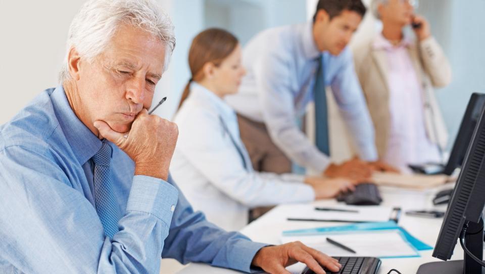 Med brezposelnimi ostajajo starejši in dolgotrajno brezposelni