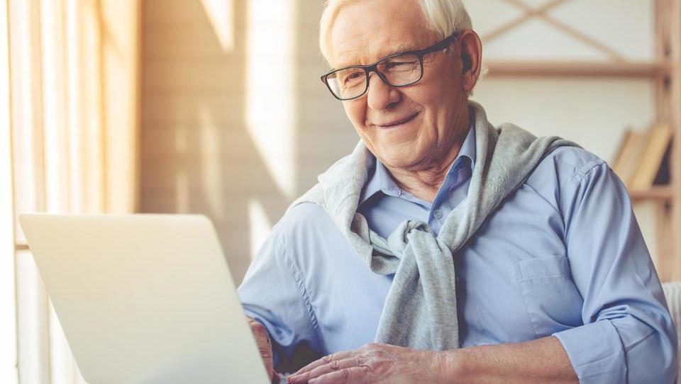 V dveh dneh več kot 800 ponudb za finančno spodbudo za starejše delavce