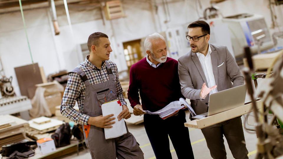 Do 1.800 evrov spodbude za razvoj kompetenc starejšega zaposlenega, to je nad 45 let