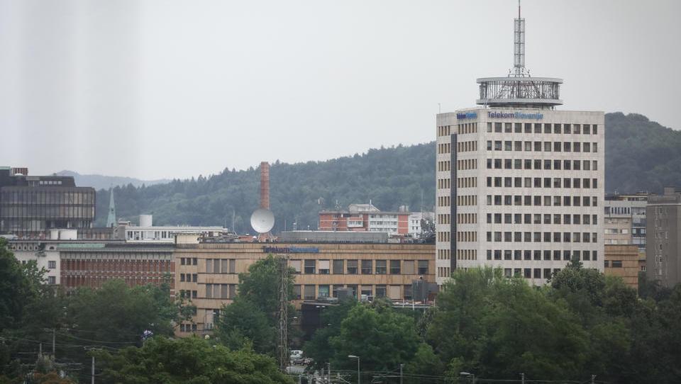 Prišli, videli, odločili: delavski nadzorniki Telekoma v treh dneh o maksi odločitvi