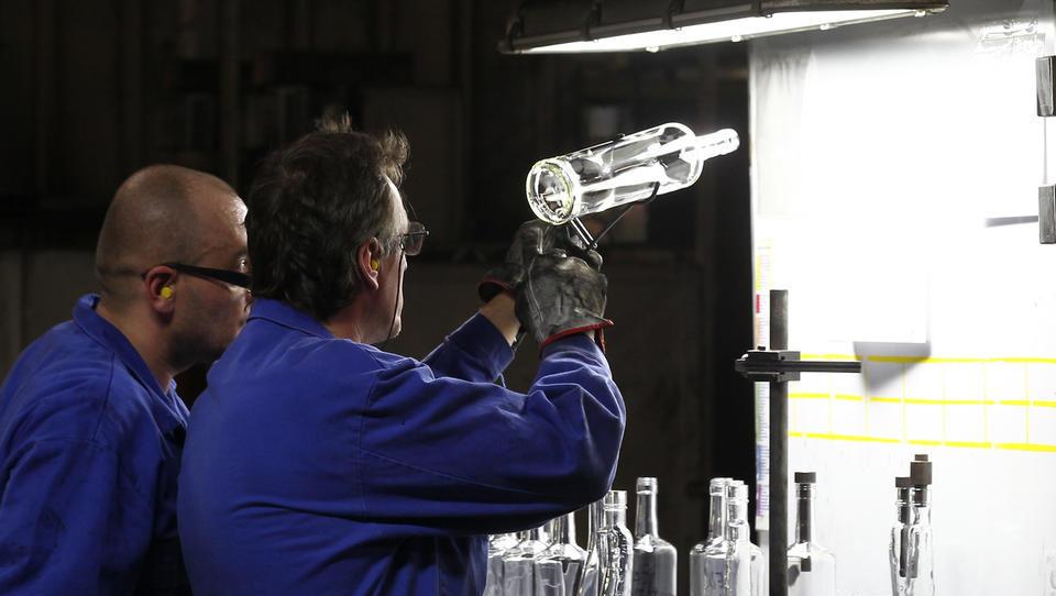 Steklarna Hrastnik v gradnjo tovarne na Poljskem in v iskanje vlagatelja za tovarno v Hrastniku
