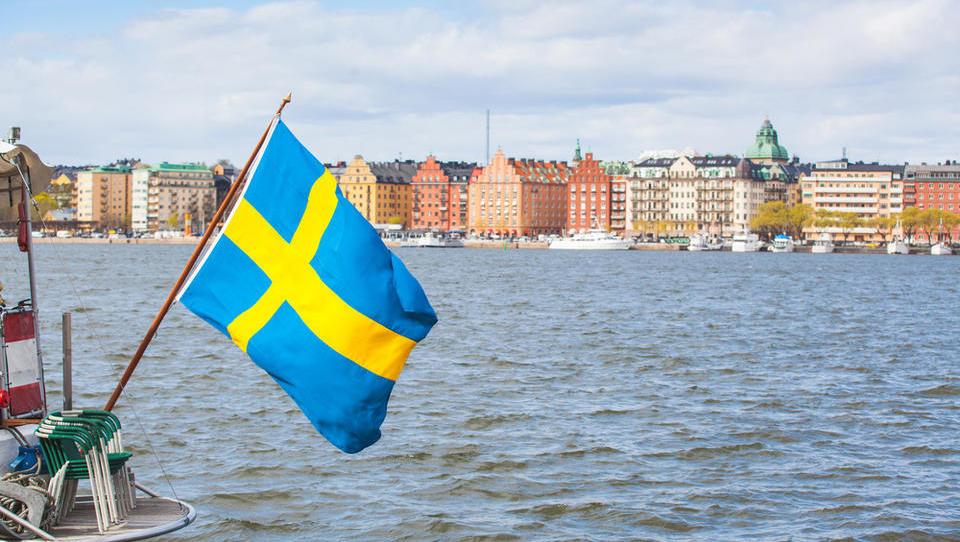 Še Švedi nezadovoljni s socialno državo: kljub visokim davkom imajo zanič storitev