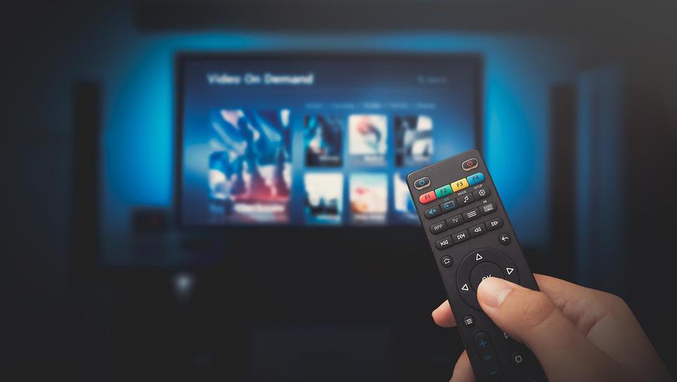 (primerjava ponudnikov) Komu plačevati naročnino za gledanje filmov in serij?