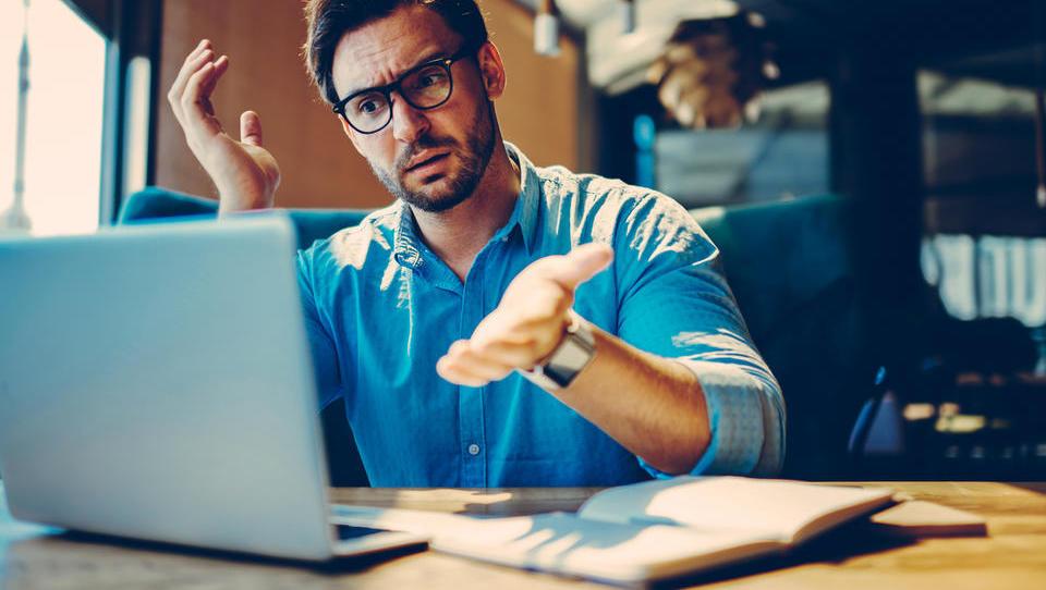 Težave s Fursovim IT-sistemom: kaj se dogaja in kdo rešuje težave?