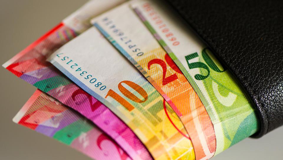 Nova vrhovna sodba o frankih, nov senat, novo stališče: tokrat v prid posojilojemalcem