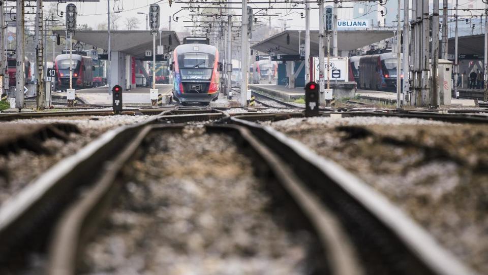 Železnice: Koliko milijard bi morali vložiti, da bi dobili pretočne koridorje