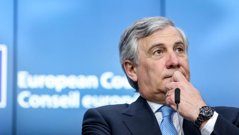 Bo Sodišče EU šefa EP Tajanija prisililo, da razkrije, kako evroposlanci porabljajo dodatke?