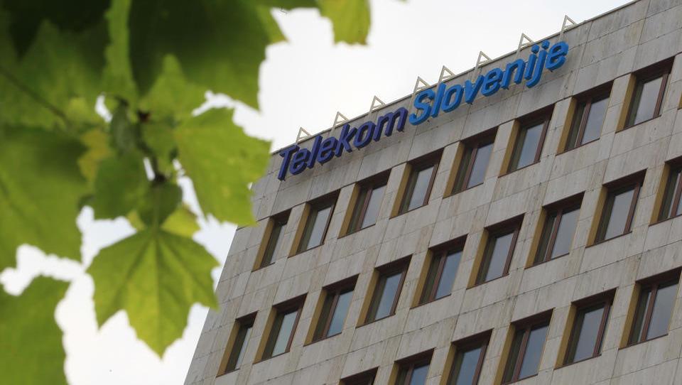 Telekom se gre zadolževat!
