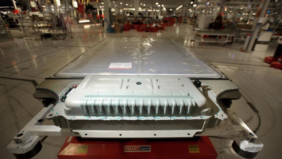 Kdo bo plačal recikliranje baterij za električna vozila?