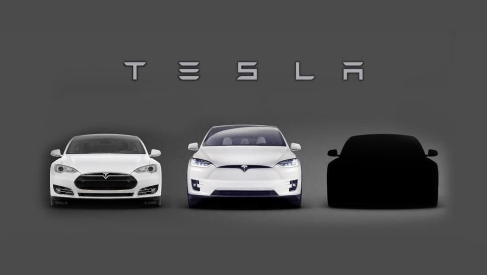 Tesla je novi model 3 na trg uvedel prek družabnih omrežij in,... uspel!