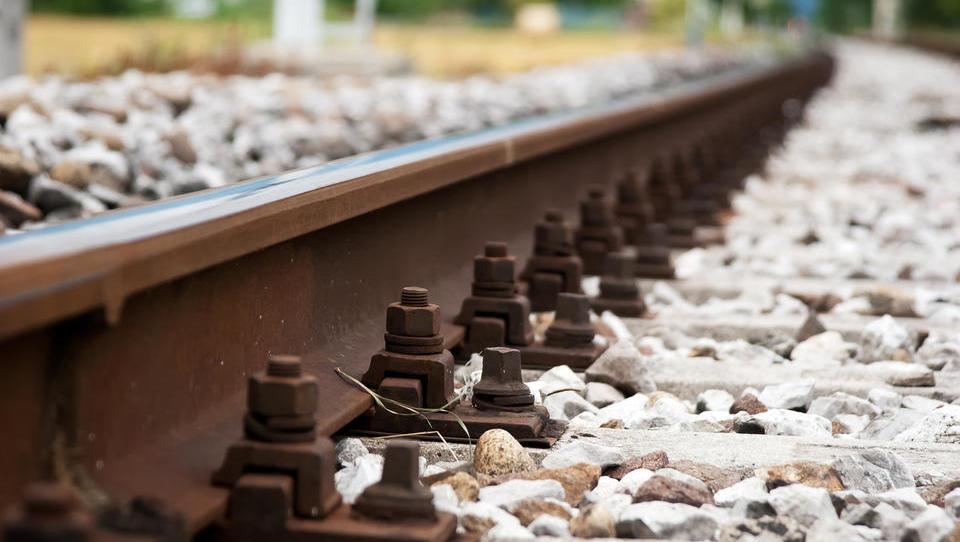 Na Rižanskem vodovodu krizni sestanek zaradi iztirjenja vlaka pri Hrastovljah