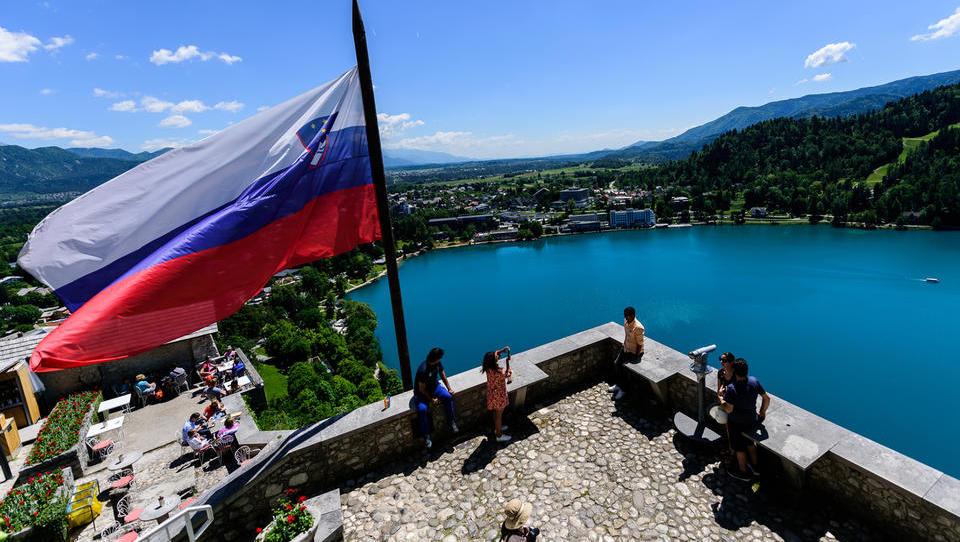 Slovenija pridobila na lestvici konkurenčnosti: kje smo dobri in kaj nas še duši