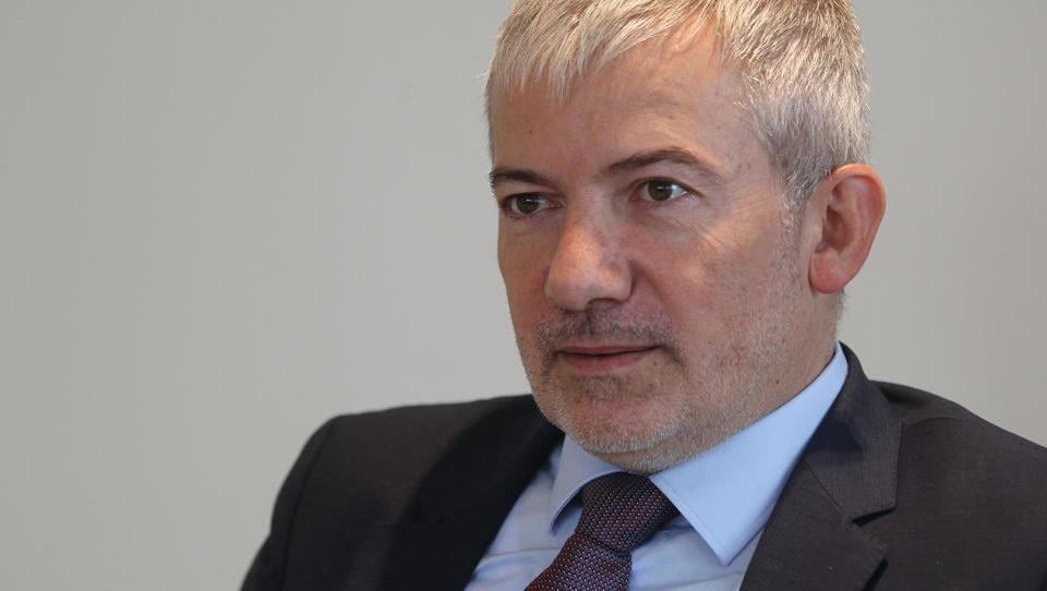 Bratuškova napovedala razrešitev Damirja Topolka