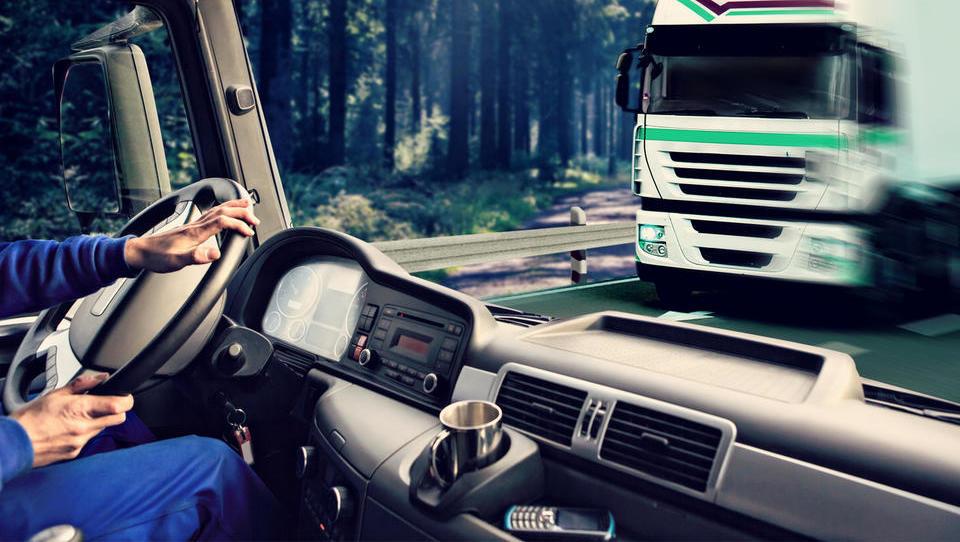 Delodajalci avgusta na lov za vozniki tovornjakov