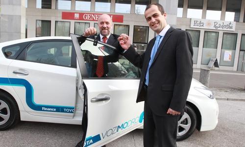 EKO vozni park 2013: Prva toyota gre Generali Zavarovalnici