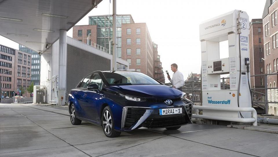 V času vzpona električnih avtov se vodik kaže kot prijaznejša alternativa