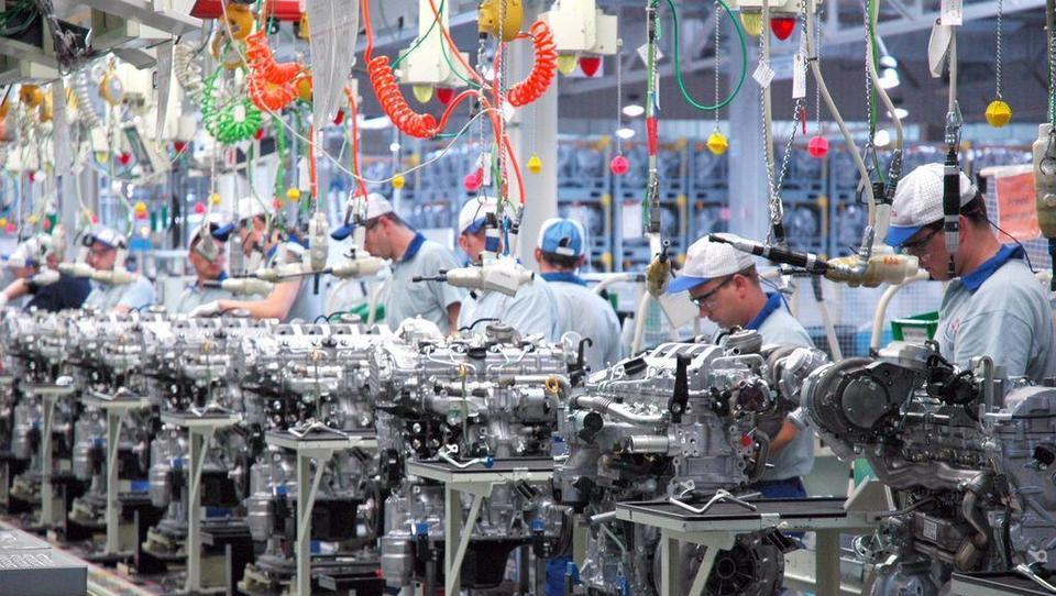DWN: Zaradi e-mobilnosti vse več težav med dobavitelji avtomobilske industrije