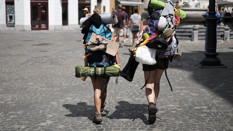 Slovenski turizem: še daleč od načrtovanih štirih milijard evrov prilivov